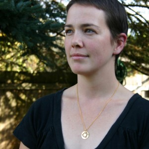 The Ubuntu necklace, in gold color
